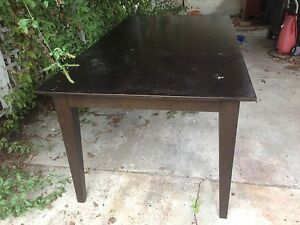 FREE large table Cheltenham Kingston Area Preview