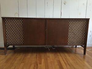 Meuble stereo vintage acheter et vendre dans grand for Meuble bigras laval ouest