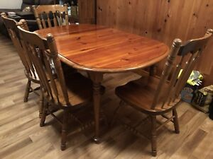 Hardwood 6 chair table