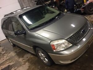 2005 Ford Freestar loaded with leather