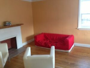 Sep 2017-awesome 3 beds in Downtown,U Ottawa,market area