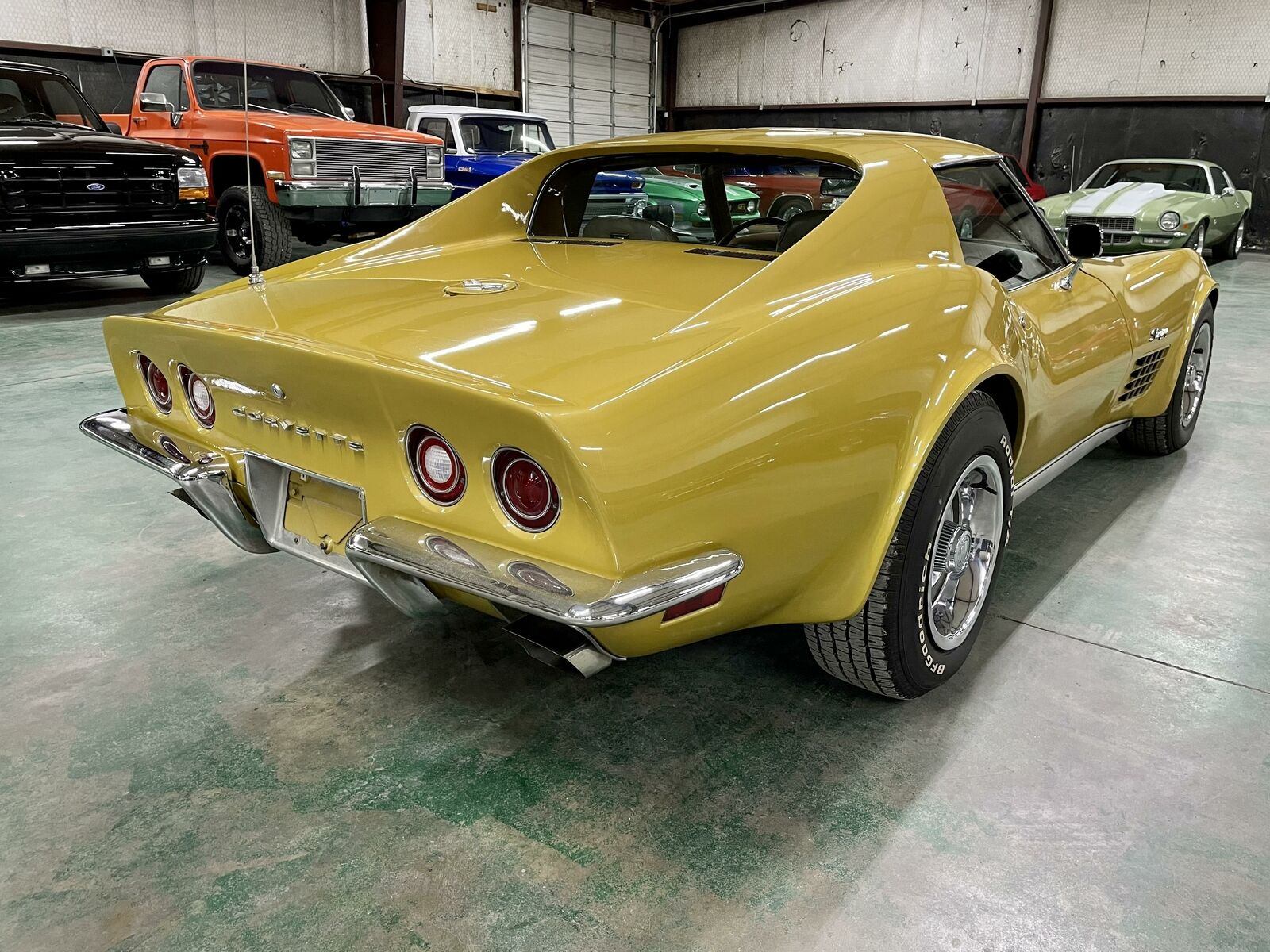 1972 Yellow Chevrolet Corvette   | C3 Corvette Photo 5