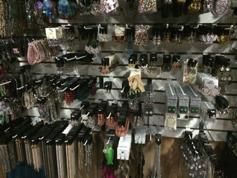 WHOLESALE JEWELRY 50 piece LOT NECKLACE BRACELET EARRINGS & more All New!!!!!!