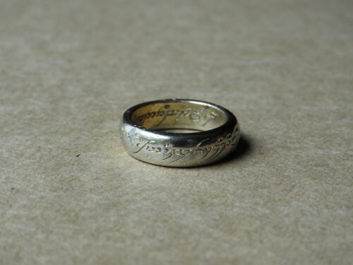 """VINTAGE """"LORD OF THE RINGS"""" GOLD-TONE RING REPLICA, APPROXIMATE SIZE 6.5"""