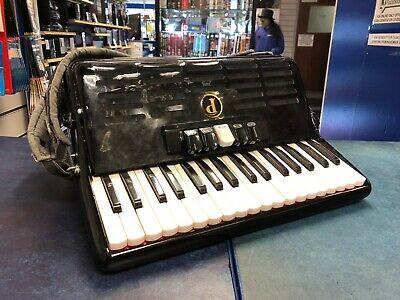 Paganini piano accordion 72 bass 34 piano keys and 5 Couplers
