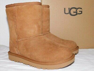 NEW KIDS GIRLS SIZE 1 CHESTNUT UGG CLASSIC II SUEDE SHEEPSKIN BOOTS 1017703K