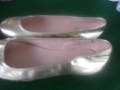 DISNEY STORE Girls PRINCESS gold COSTUME SHOES sz 8 V good Condition](Good Costume Stores)