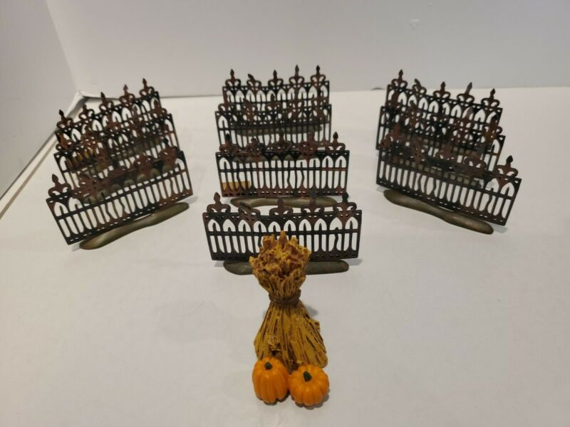 Dept 56 Halloween Spooky Wrought Iron Fence 10 Sections plus Corn Stalk