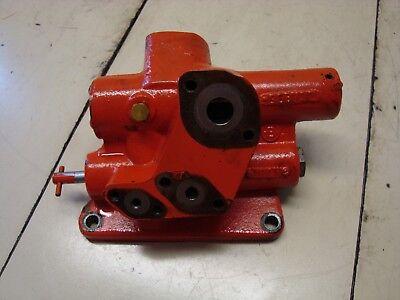 Case 1370 Tractor Hydraulic Valve