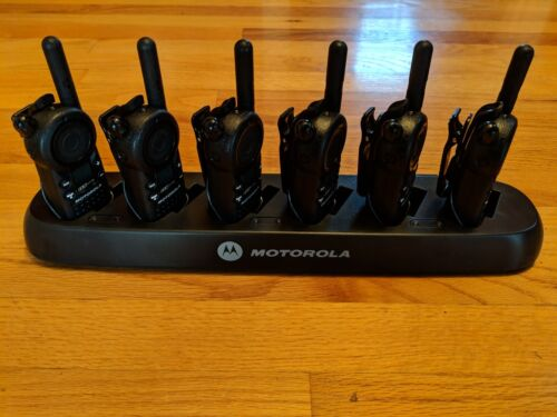 6 Motorola Cls1110 Uhf Business Two-way Radios With Multi-unit Charger