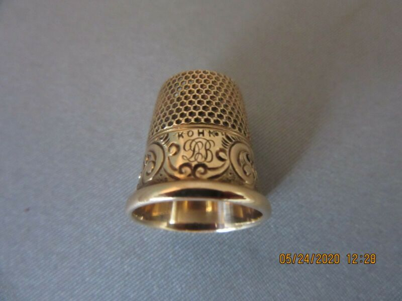 Beautiful 14K Yellow Gold Antique Vintage Sewing Thimble KOHN Landscape Scene