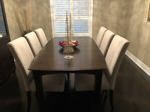 Real cherry wood dining room table in perfect condition
