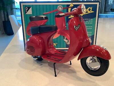 XONEX Vespa Scooter Rare RED Die Cast Metal 1:6 Numbered Edition