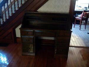 Roll Top Desk (Reproduction)