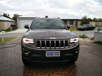 2014 Grand Cherokee 4x2 with upgraded Uconnect 8.4