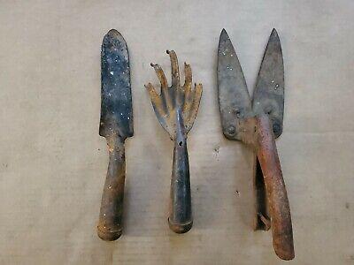 VINTAGE METAL HAND GARDEN CLAW RAKE TROWEL SHEARS TOOLS - SET OF 3