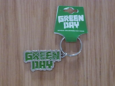 GREEN DAY -  LOGO  GREEN ENAMEL  METAL KEYRING (NEW) OFFICIAL BAND MERCH