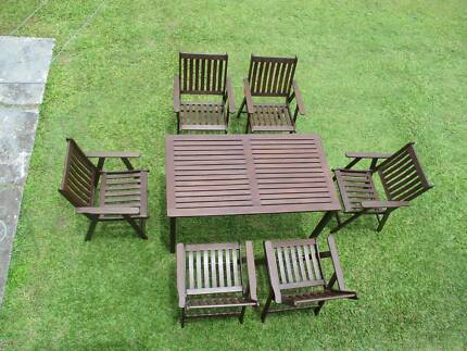 REFURBISHED 7 PIECE COURTYARD OUTDOOR SETTING CAN DELIVERY