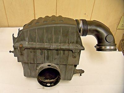 1997-2001 CADILLAC CATERA AIR INTAKE CLEANER FILTER PLASTIC HOUSING BOX