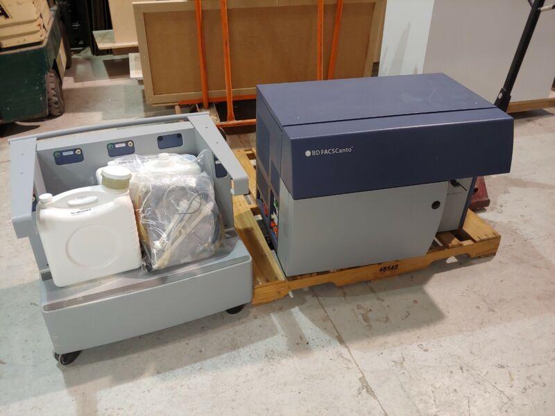 BD FACSCanto Flow Cytometer with Fluidics Cart Laboratory Analyzer