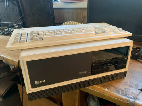 VINTAGE AT&T 1980s Computer PC6300 with Keyboard