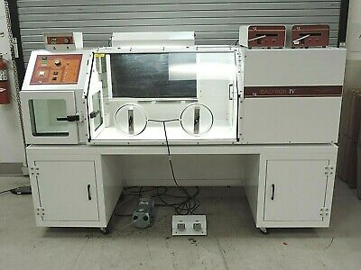 Sheldon Bactron Iv-900 Anaerobic Chamber With Accessories