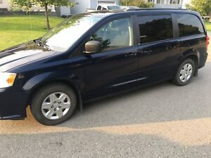 2012 grand caravan immaculate shape-ultra low km