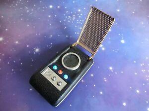 STAR TREK CLASSIC ORIGINAL SERIES COMMUNICATOR ELECTRONIC LIGHT & SOUND TOY PROP