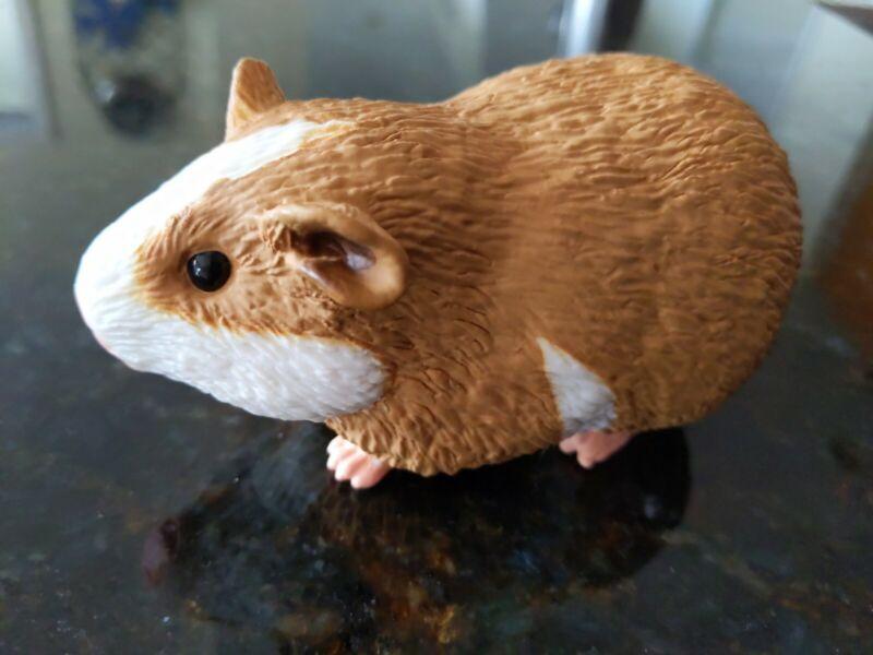 "2010 Safari Ltd. 2.5""x4.5"" Guinea Pig PVC Rubber Realistic Animal Figure Toy"