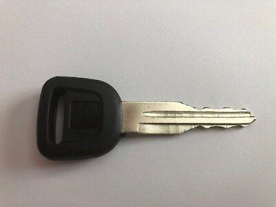 Set 4 T0270-81840 Ignition Start Starter Keys For Kubota L Series Cab Tractor