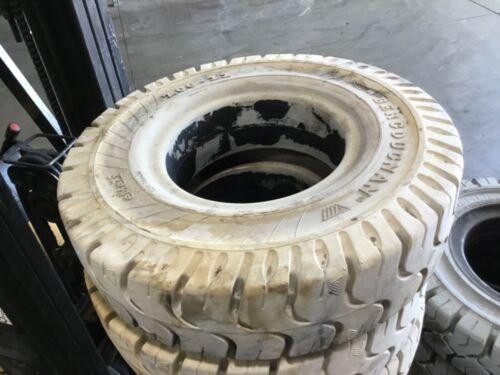 7.00X12 Bergougnan Solid Forklift Tire Non Marking 7.00-12 #T121