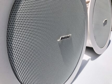 2x Bose FreeSpace DS16F loudspeakers