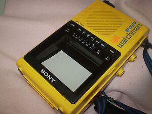 SONY-FD-45A-TV-WATCHMAN-SPORTS-PORTATILE-CON-RADIO-VINTAGE