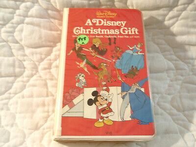 A DISNEY CHRISTMAS GIFT VHS CLAMSHELL #224VS BAMBI PETER PAN CINDERELLA PLUTO