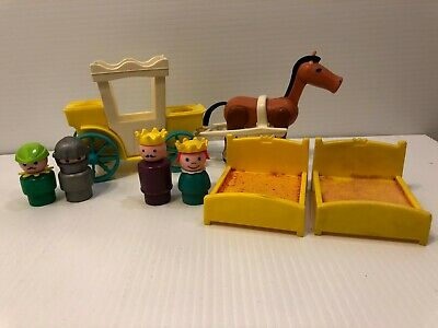 Fisher Price Little People #993 Castle figures and accessories