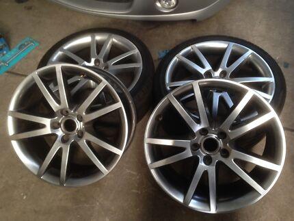 Vz Hsv r8 wheels genuine 19s