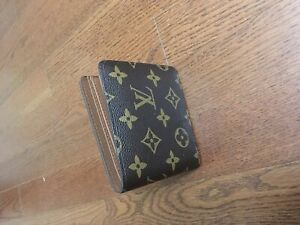 Louis Vuitton men's multiple wallet (slightly used)