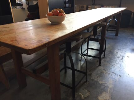 Beautiful antique wooden table, industrial, in great condition.