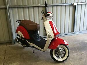 Scooter 50cc New Vmoto Revival 4-Stroke Moped Southport Gold Coast City Preview