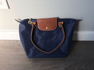 Longchamp LePilage small NAVY like new
