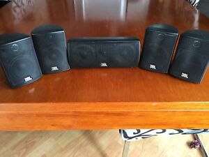 5 haut-parleurs JBL SCS-145.5 SCS Series Home Theater Speaker