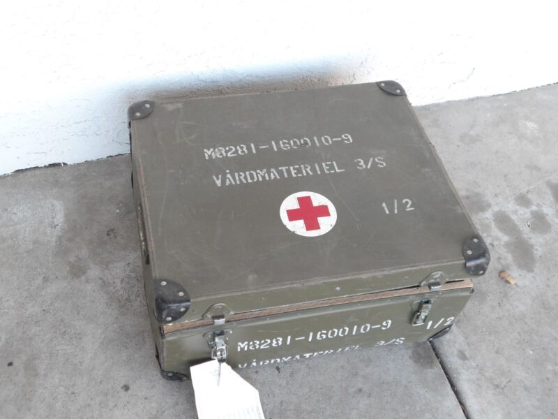 Swedish Army Hospital Supply Box with contents