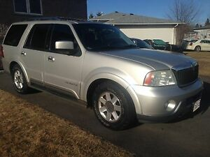 Clean Lincoln Navigator all trades considered