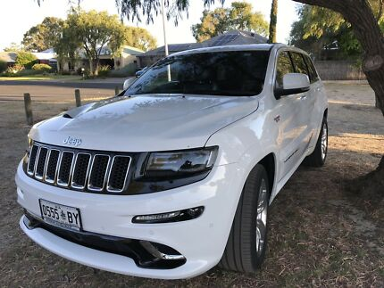 Jeep Srt8 2016 Low Kms