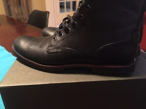 Timberland homme gr 10 / NEUF