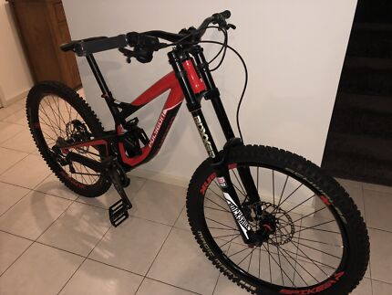 Polygon Collosus DH8 - Downhill Mountain Bike