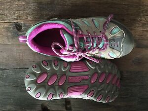 Size 13 girls merrell shoes