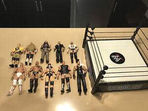 WrestleMania ring and 10 figures