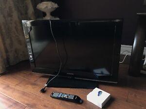 Samsung 32 inch TV with chromecast 1