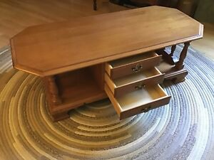 """Roxton Maple Colonial Coffee Table 50""""x22"""" with drawers"""
